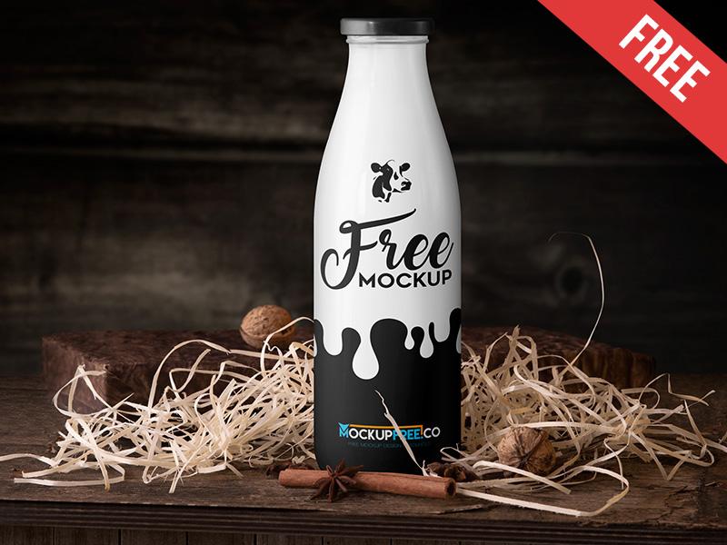 Free Milk Bottle Mockup PSD