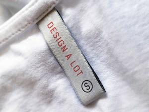 Free Clothing Label Mockup PSD