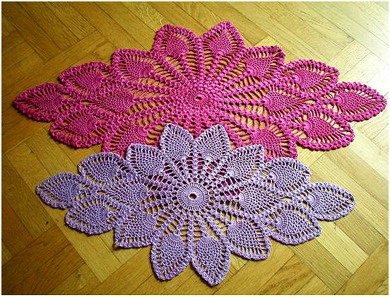 A beautiful crochet rug in various colors and a free graphic