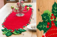 Holly Trim Table Runner | Free Pattern Christmas Decoration