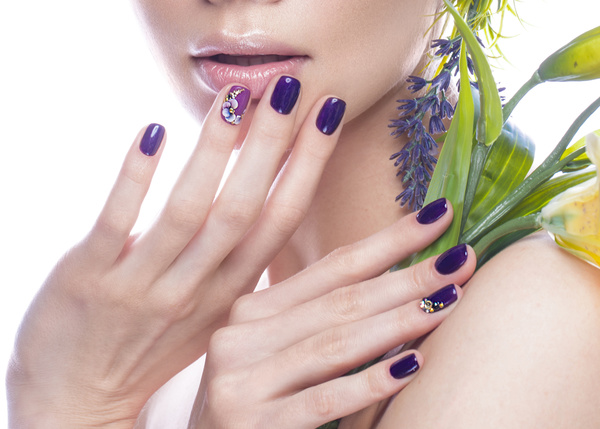 Hd Wallpapers Of Nail Art Girl With Flowers And Nail Manicure Hd Picture 03 Beauty