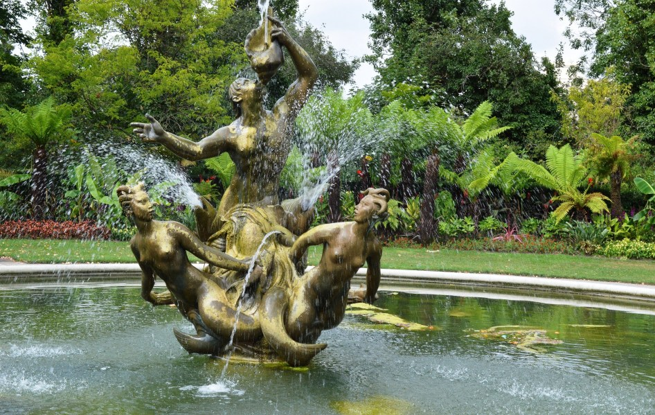 Queen Mary's Gardens - Ornate Fountain