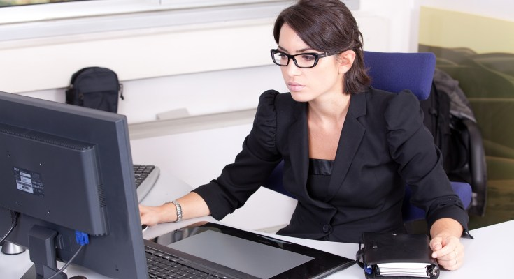 עבודה מהבית, עבודה מהבית לנשים, שיווק שותפים, שיווק שותפים למתחילים, עבודה לאמהות, מיטל טל, קורסים באינטרנט, קורסים דיגיטליים