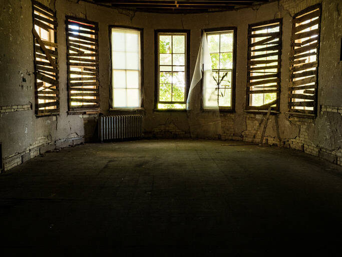 What Should I Do with My Vacant Property in Phoenix?