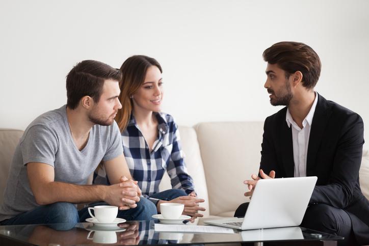 Real Estate Agent vs Cash Buyer
