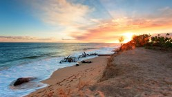 sunrise-over-a-lovely-beach-323830