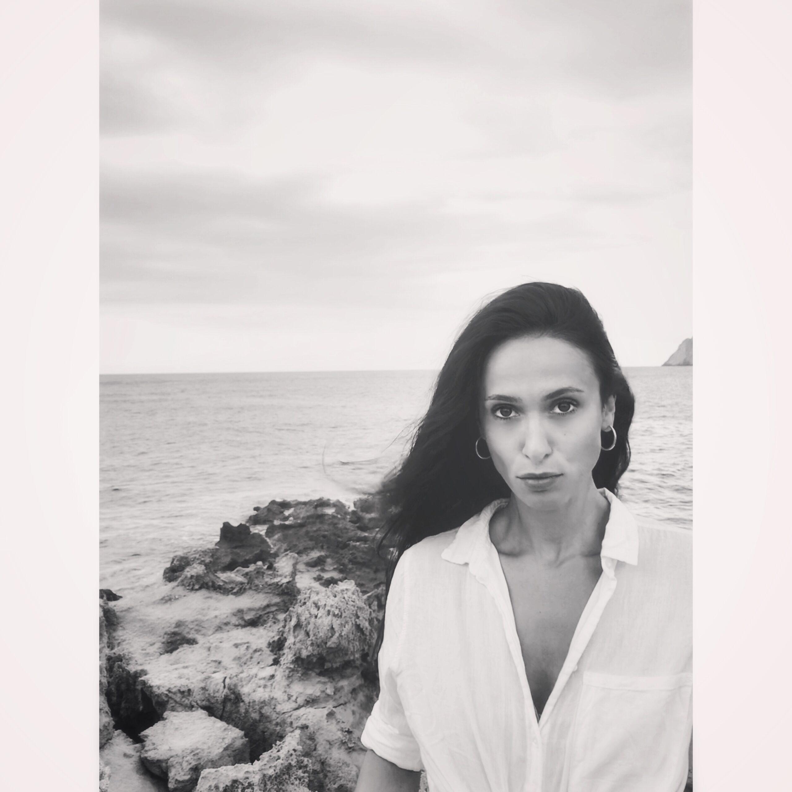 eleftheria karakatsina_author_ photo