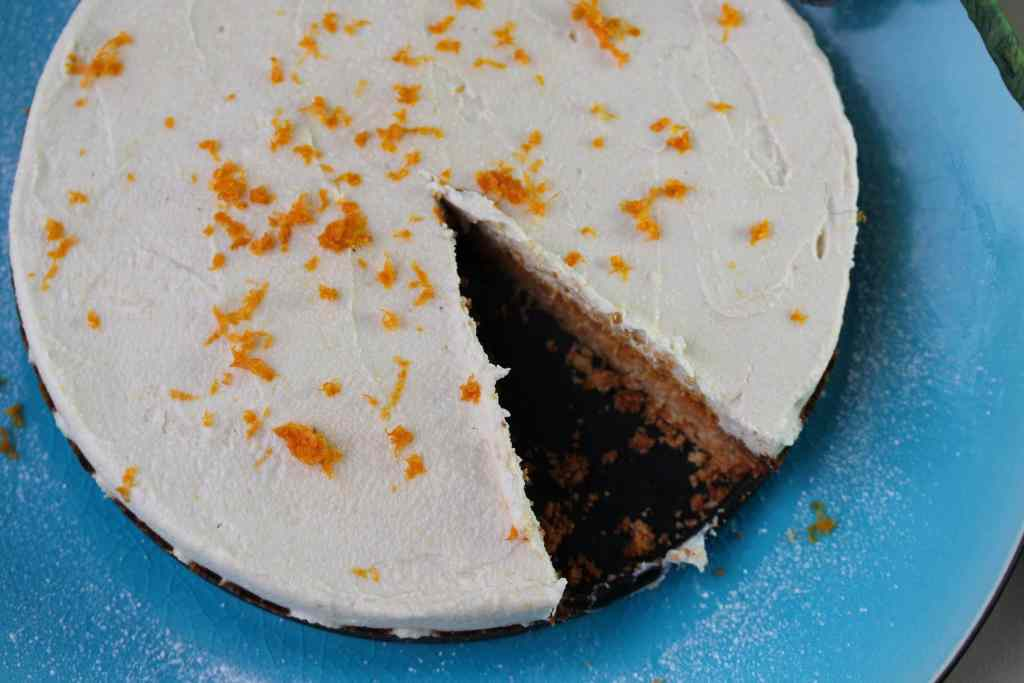 Vegan lemon cheesecake, no refined sugar or grains.