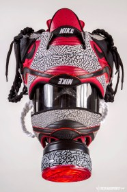The 48th sneaker mask created by Freehand Profit. Made from 2 pairs of Supreme X Nike SB Dunk Lows (2002 & 2012). Find out more about the work on FREEHANDPROFIT.com.