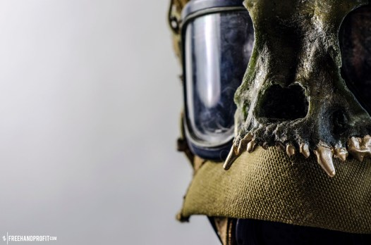WEB 050 USMC Combat Book Gas Mask 01