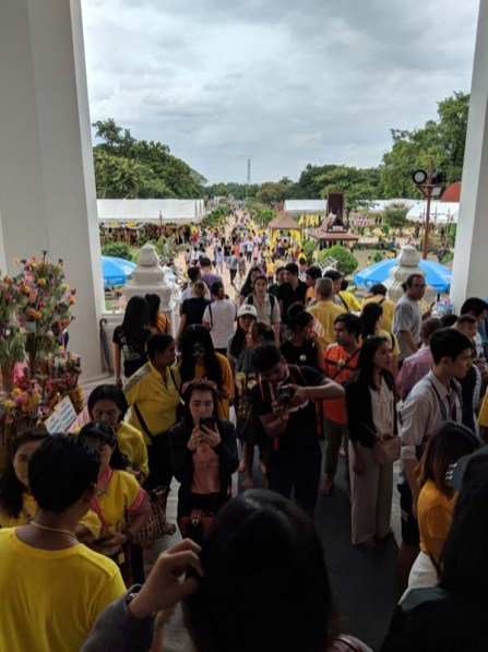 The people continue to flood the temple