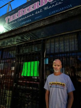Boo...the Beer Box, one of the only places in La Paz with craft beers, shut its doors - the Capt. es muy triste