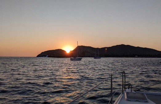 Sunset over a couple of other southbound boats in Cabeza Negra