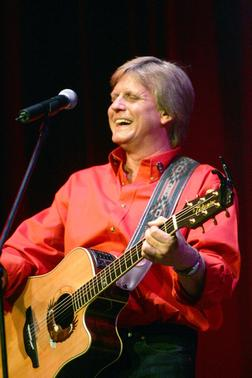 Howie Damron To Perform International Thanksgiving Podcast