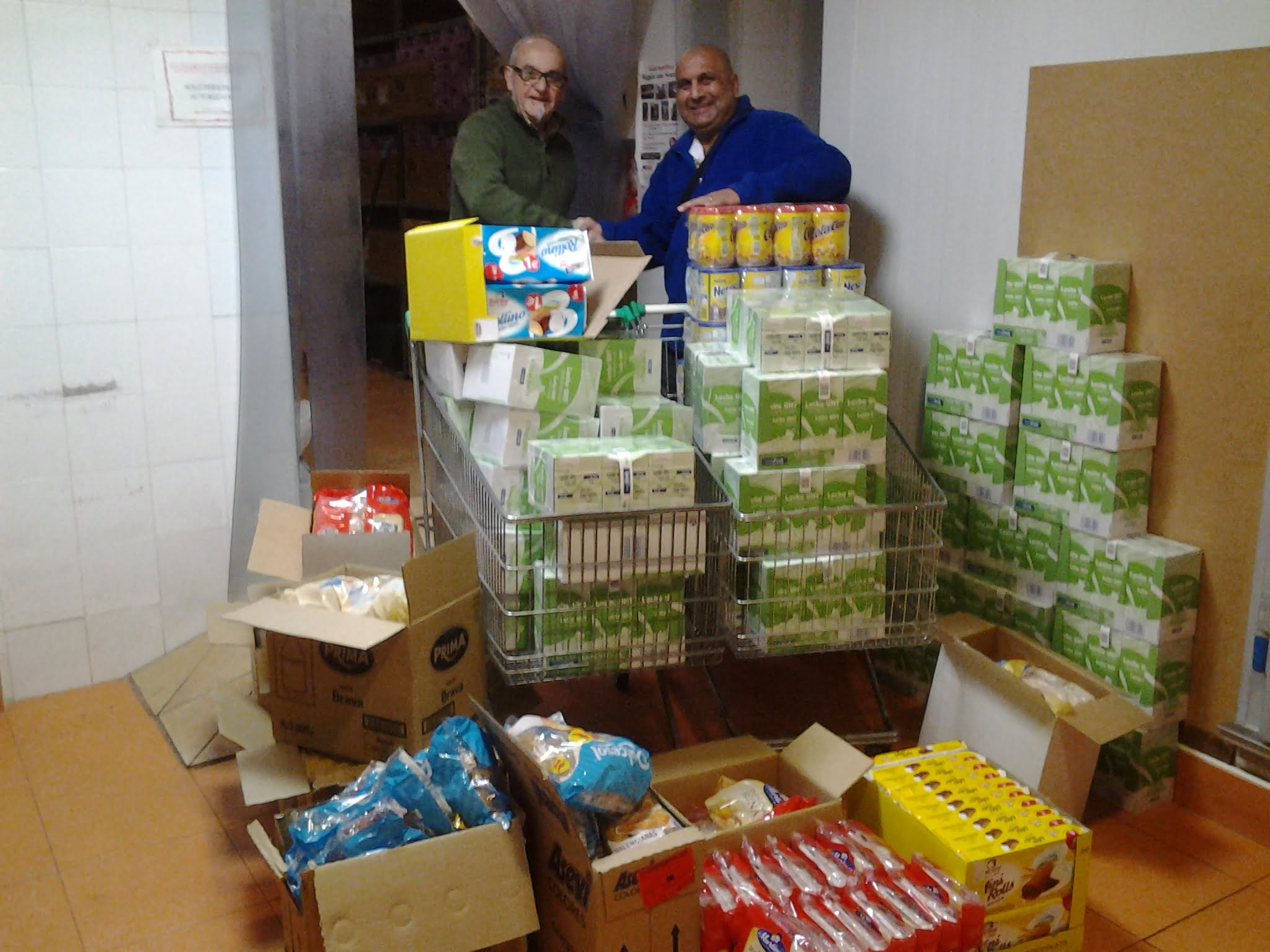 Local Freemason's from Caledonia Lodge donate to Food Bank