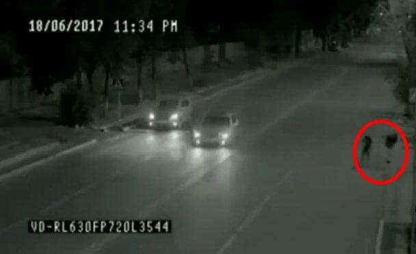 Szellemember mentett meg egy lányt - Térfigyelő kamerák rögzítették