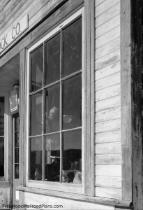 free model railroad plans, commercial buildings, general store, smith-sherlock, photograph, detail, window