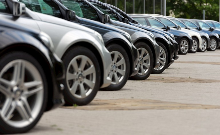 Freemoto - Umowa sprzedaży samochodu na co zwrócić uwagę?