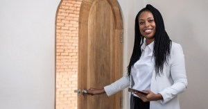 Read more about the article Do I Need a College Degree to Be a Real Estate Agent?