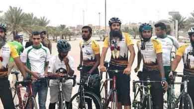 "Photo of بعد رحلة مثيرة مسافتها 6500 كم.. هكذا وصل 8 بريطانيين إلى مكة المكرمة لاداء فريضة الحج ""تفاصيل"""