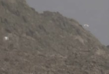 Photo of الآن.. شاهد (فيديو) حصري لحظات اسقاط طائرات التحالف للكمامات على عدد من المناطق اليمنية