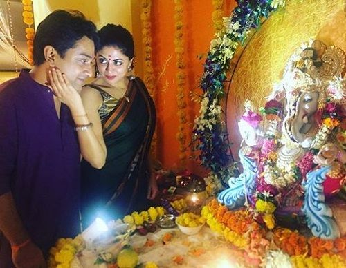 Ronnit Biswas With an Idol of Lord Ganesha