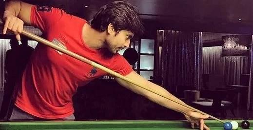 Gashmeer Mahajani Playing Snooker