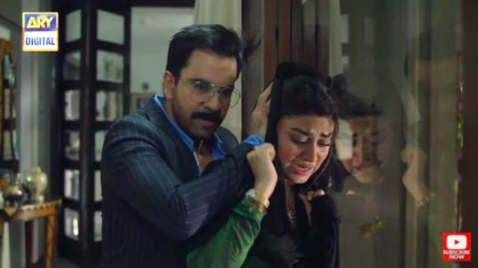 Zoya Nasir in Hania (2019)