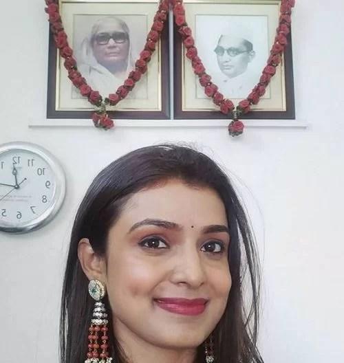 Mayuri Deshmukh with her Grandparent's Photos