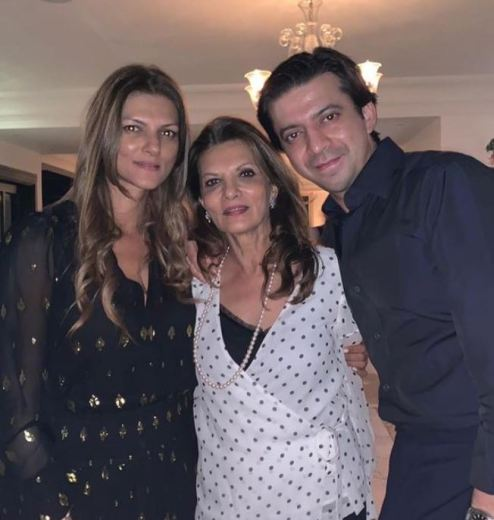 Nandita Mahtani with her mother and brother