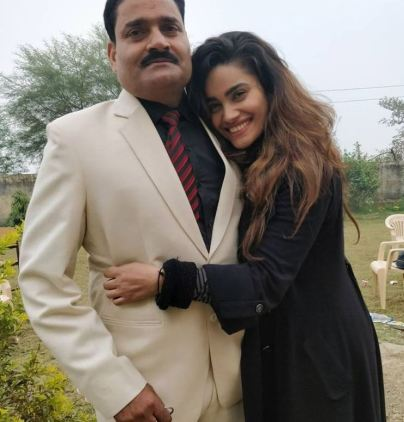 Sakshi Dwivedi with her father