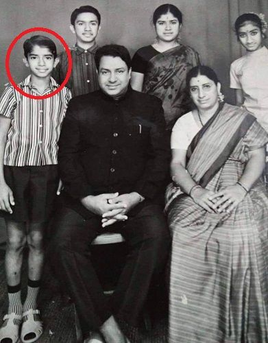 Shankar Aswath's childhood picture with his family