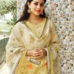 Raksha Holla in salwar kameez photo