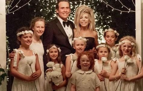Gwen Shamblin Lara with her husband and grandchildren