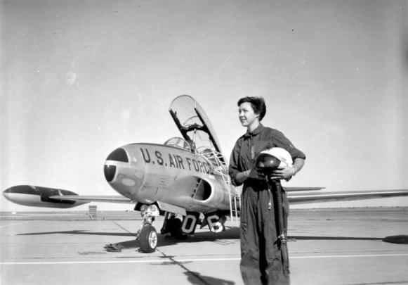 Wally Funk, aged 21, as the first female flight instructor at Fort Sill, Oklahoma in 1960