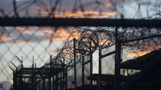 З Донецької та Луганської області перевели вже 394 в'язня