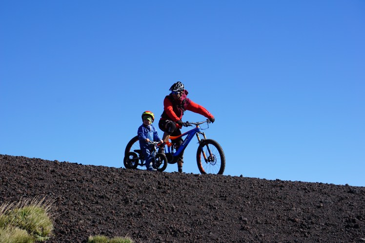 Ride the etna, with balance bike mountainbike next generation