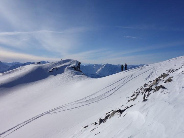 Direkt am Skigipfel des Zwieselbacher Rosskogel lohnt es sich auch a mal an Blick hinter die Kante zu werfen...