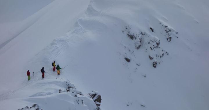 Seelakopf (2.368 m) und Kalter Stein, Nordrinnen und Powderkare vom Feinsten