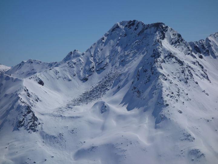 Unglaublich, aber wahr, ein gigantischer Felssturz hat sich vor ca. 2 Wochen am Flüela Wisshorn ereignet.