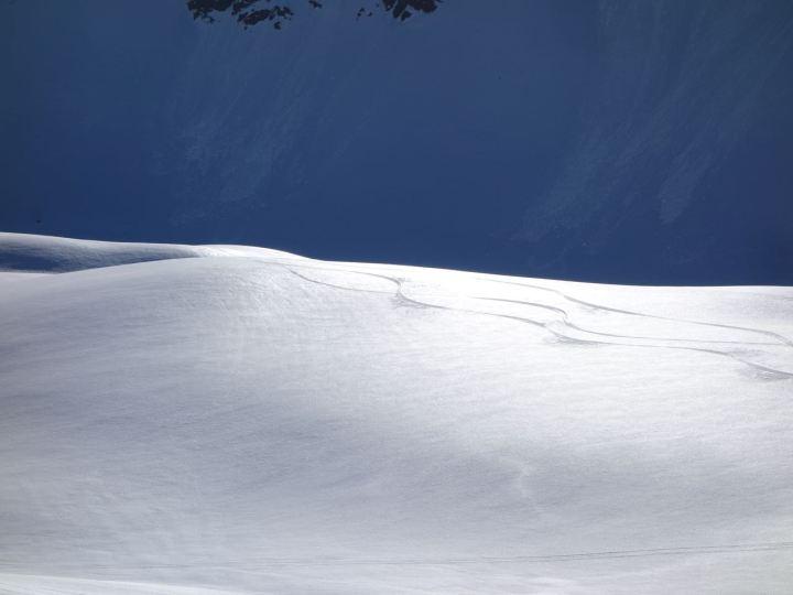 Aufstieg duch's Mattjischtal, hartgefroren sind die Spuren vom Vortag noch