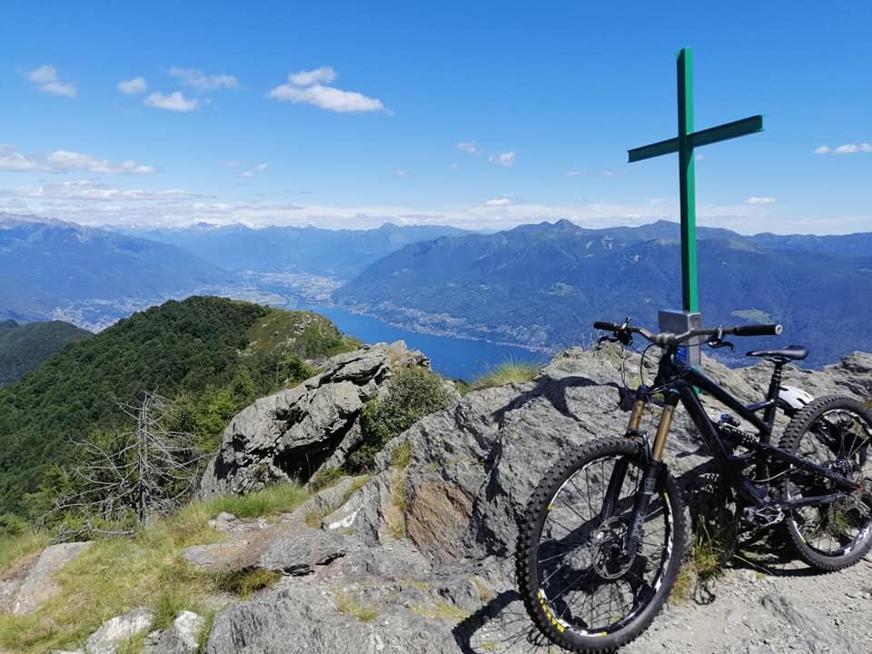 Lago Maggiore - luftige Gipfel, blauer See und uralte Mulattieras