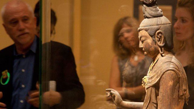 Japanese Curator Jim Ulak leads a tour