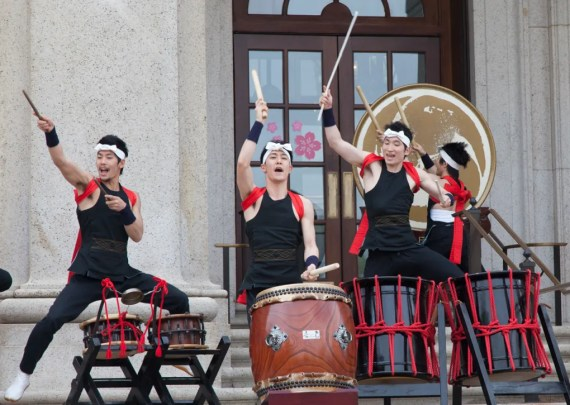 Taiko drummers on the steps of the Freer Gallery.