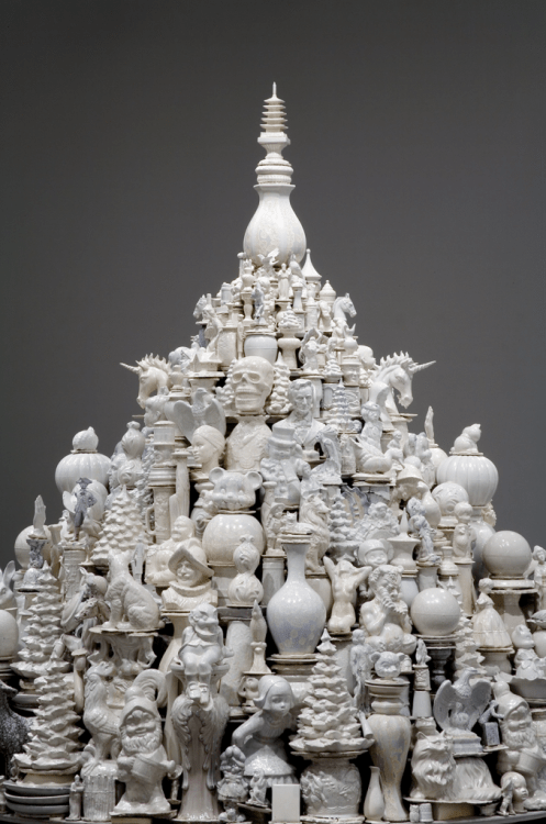 Detail, A Theory of Everything: White Stupa; Walter McConnell (b. 1956); 2014 and 2004–16; cast porcelain from salvaged hobby industrial molds, zinc crystalline glaze, sand, and plywood shelving; courtesy the artist and Cross MacKenzie Gallery, Washington, DC