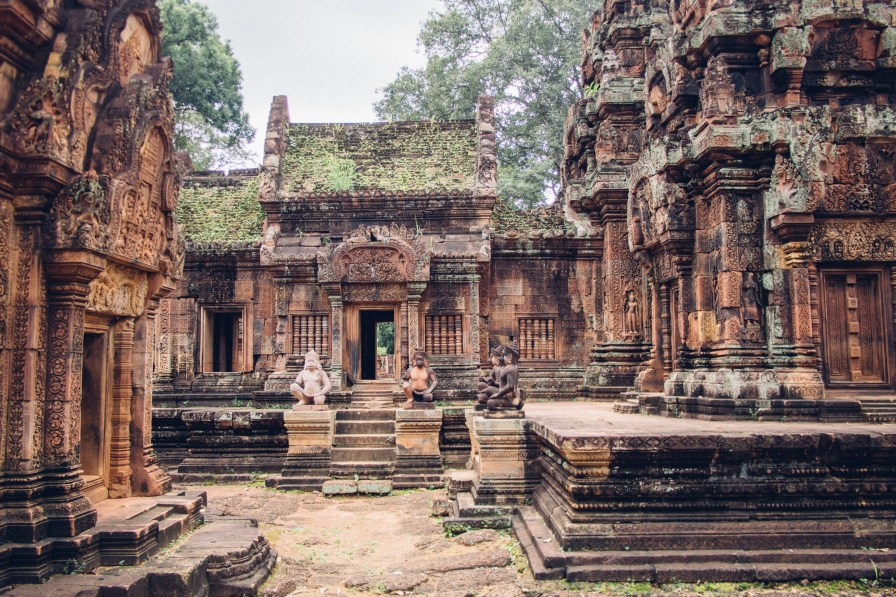 Banteay Srei Main Temple Ground