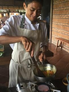 Sautéing spice paste