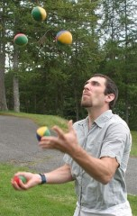 5_ball_juggling ,Stevenfruitsmaak, Wikimedia Commons