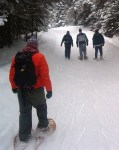 Snowshoeing_by Fungus Guy wikimedia commons