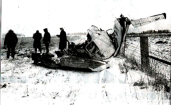 Investigators-look-over-the-site-of-the-plane-crash-that-killed-Buddy-Holly-Ritchie-Valens-Jp-Big-Bopper-Richardson-and-pilot-Roger-Peterson-on-Feb.-3-1959